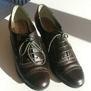 Chicolate Oxford Heels Like New Size 10